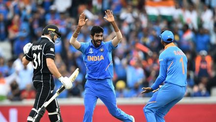 CWC19 SF: IND v NZ – Guptill is caught by Kohli at second slip for 1