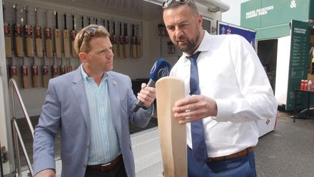 CWC19 SF: IND v NZ – Niall O'Brien and Simon Doull discuss players' cricket bats