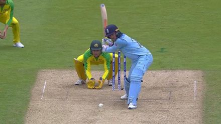 CWC19 SF: AUS v ENG - Roy completes three consecutive sixes with a 101m hit