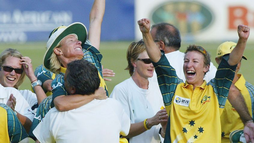 Fitzpatrick celebrates Australia's 2005 World Cup triumph with teammates