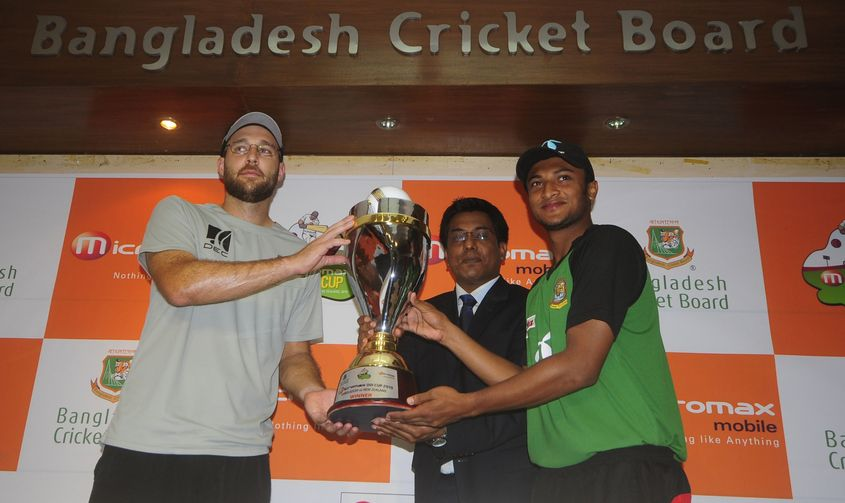 Vettori and Shakib Al Hasan lining up as opposing captains in 2010