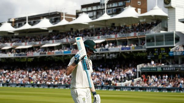 Smith receives nasty blow to the neck after continuing his sensational form