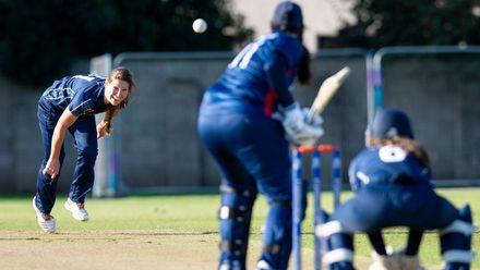 Scotland's Katie McGill bowls