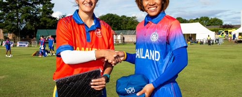 Namibia captain, Yasmeen Khan and Thailand captain, Sornnarin Tippoch shake hands before the start.