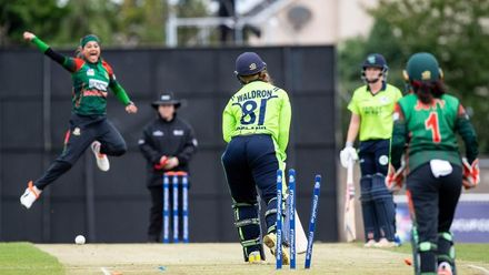 ICC T20WC Qualifier: BAN v IRE - Jahanara bowls Waldron with a yorker