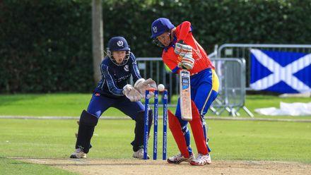 Arrasta Diergaardt is bowled by Katherine Fraser