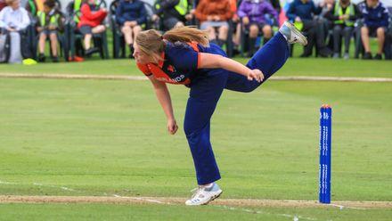 Caroline de Lange bowling from the Condor end