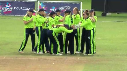 ICC T20WC Qualifier: BAN v IRE - Mary Waldron takes a diving catch