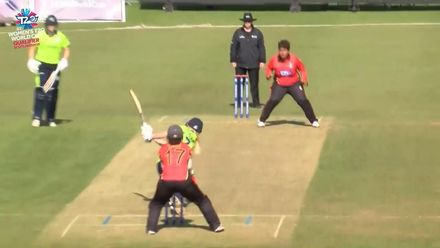 ICC T20WC Qualifier: IRE v PNG - Kim Garth slog sweeps a six