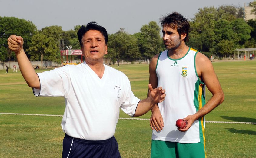 Abdul Qadir was a mentor to numerous young leg-spinners, such as Imran Tahir