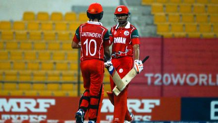 Aaqib Ilyas & Jatinder Singh between the overs against Canada