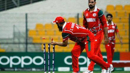 Zeeshan Maqsood runs out Eranga