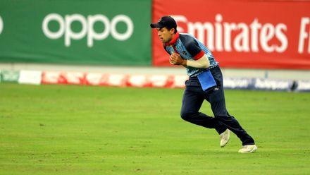 Niko Davin takes the catch of Jatinder Singh