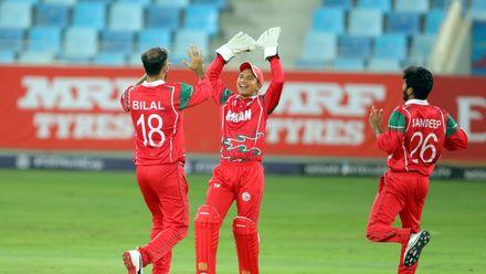 Bilal Khan takes his 2nd wicket of JP Kotze
