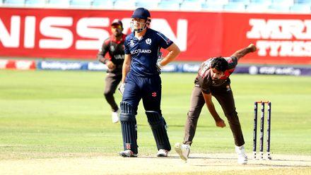 Junaid Siddique bowling