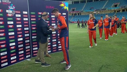 T20WCQ: NED v PNG - Netherlands players are presented their medals!