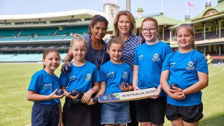 Photo credit: UNICEF Australia / Patrick Moran L-R Poppy Galluzzo, Haya Gribble, Mithali Raj (Indian cricket great), Jemima McGuigan, Alex Blackwell (Former Australian captain), Alice McKay, Gemma Woolley