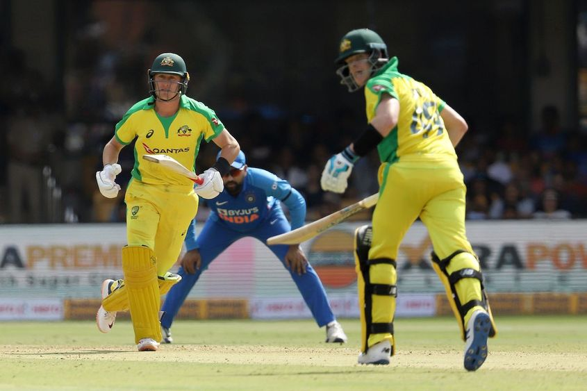 Smith and Labuschagne were involved in another useful partnership