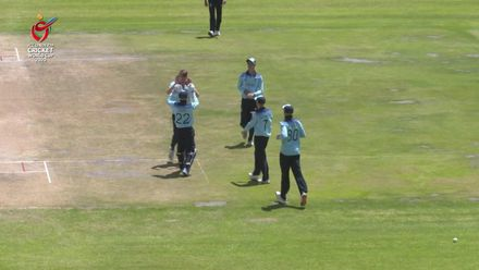 ICC U19 CWC: ENG v NGR – Mousley takes excellent diving catch at slip