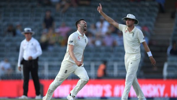South Africa crumble after Broad, Wood help England rack up 400