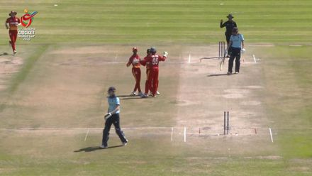 ICC U19 CWC: ENG v ZIM – Dan Mousley reverse-sweeps, misses, and is bowled