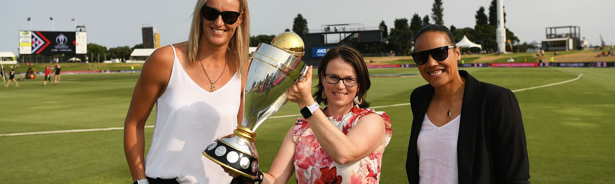 Tauranga's Bay Oval in New Zealand rolled out the welcome carpet for three of the country's top sporting heroes on 2 February - Emily Drumm, Leana de Bruin and Honey Hireme-Smiler.