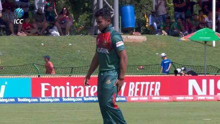 ICC U19 CWC: IND v BAN – Parvez Hossain retires hurt on 25