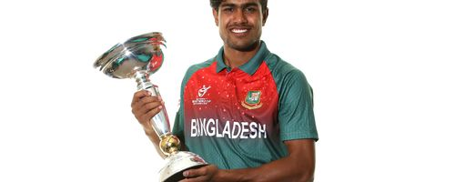 Skipper Akbar Ali with the ICC U19 World Cup trophy
