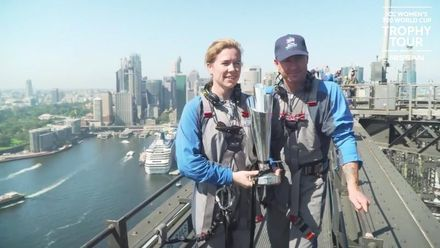 WT20WC Trophy Tour: Bridge climb with Alex Blackwell and Michael Clarke
