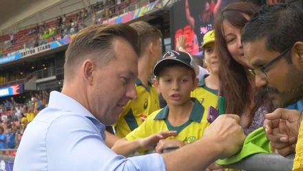 WT20WC: Aus v Ind – Blue, yellow and gold in Sydney