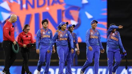 WT20WC: Ind v Ban - India make it two in two