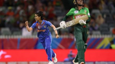 WT20WC: Ind v Ban - Highlights of Poonam Yadav's 3/18