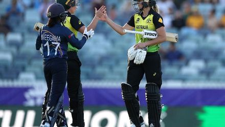 WT20WC: Aus v SL - Australia hold off Sri Lanka