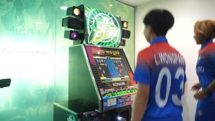 WT20WC: Dance Dance Revolution - Thailand throw some shapes