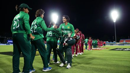 Bismah Maroof remained unbeaten as Pakistan capped an eight-wicket win