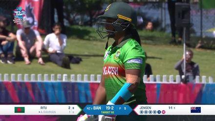 WT20WC: NZ v Ban – Hayley Jensen sends back Ayasha Rahman early