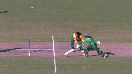 WT20WC: SA v Pak - Unfortunate run-out for Javeria Khan