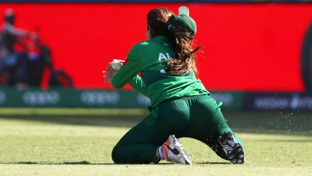 Aliya Riaz of Pakistan takes the catch to dismiss Chloe Tryon of South Africa during the ICC Women's T20 Cricket World Cup match between South Africa and Pakistan at Sydney Showground Stadium on March 01, 2020 in Sydney, Australia.