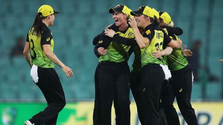 Australian captain Meg Lanning and team mates celebrate victory during the ICC Women's T20 Cricket World Cup Semi Final match between Australia and South Africa at Sydney Cricket Ground on March 05, 2020 in Sydney, Australia.