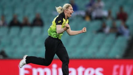 Delissa Kimmince of Australia celebrates taking the wicket of Mignon du Preez of South Africa during the ICC Women's T20 Cricket World Cup Semi Final match between Australia and South Africa at Sydney Cricket Ground on March 05, 2020 in Sydney, Australia.
