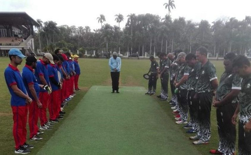 Teams observe a minute's silence in honour of Walesi Soqoiwasa