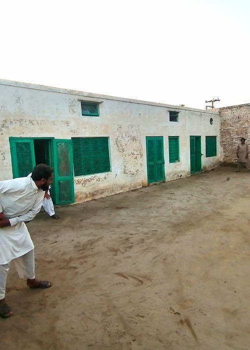 Courtyard cricket. Location: Punjab, Pakistan. Photo credit: Rehan Nawab