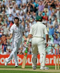 Jimmy traps Jacques Kallis leg before to reach 100 Test wickets – 7 August 2008