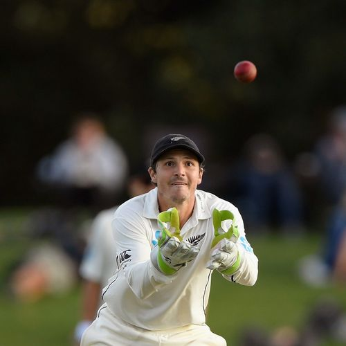 Watling in doubt for Hamilton Test, Conway called up as cover
