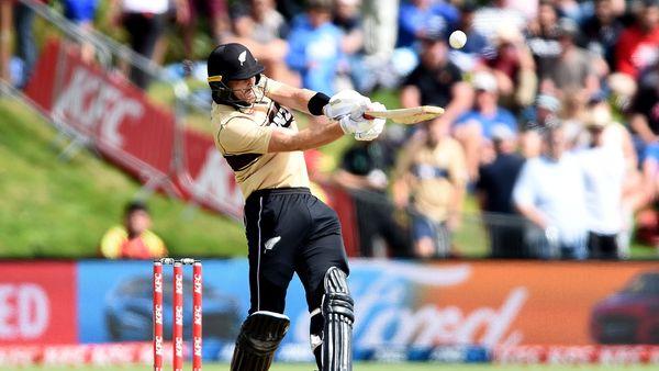 Brilliant Guptill powers New Zealand to nail-biting win over Australia