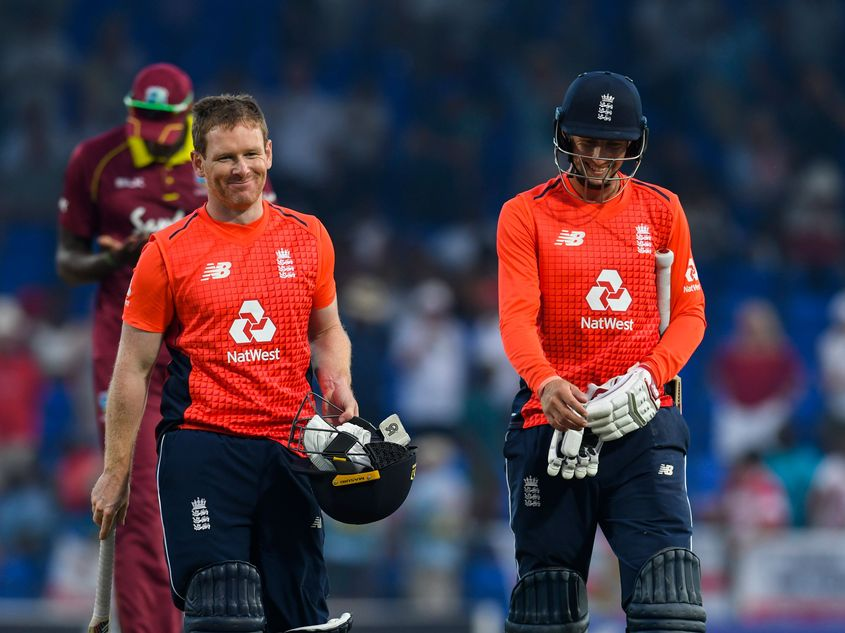England remain on top of the T20I rankings.