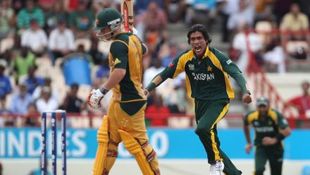 Postpe Greatest Moments: Pakistan take five in one over against Australia