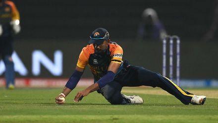 Dasun Shanaka takes sensational one-handed catch