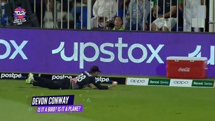 Nissan POTD: Devon Conway's flying catch