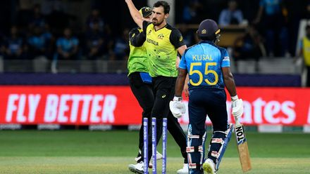 Starc delivers what he does best